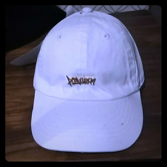 0284a101 White Toddler Dad Hat Baseball Cap Gold Tag HipHop